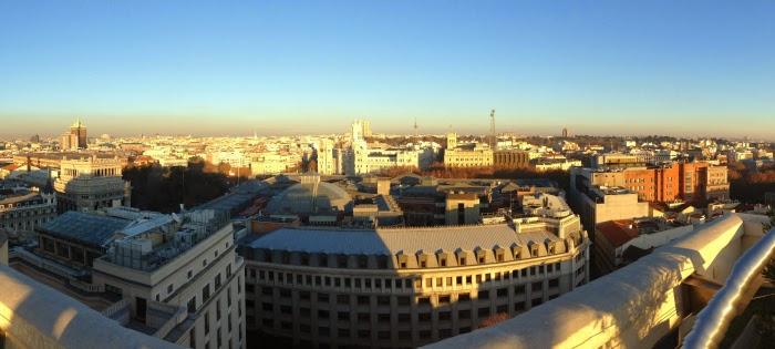 Letmecrossover_blog_michele_mattos_madrid_spain_espanha_parque_del_retiro_travel_trip_traveling_world_backpacking_puerta_de_alcala_plaza_oriente_circulo_bellas_artes_rooftop_sunset