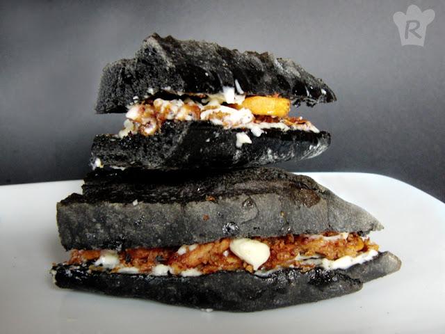 Bocata de calamares (con pan negro)