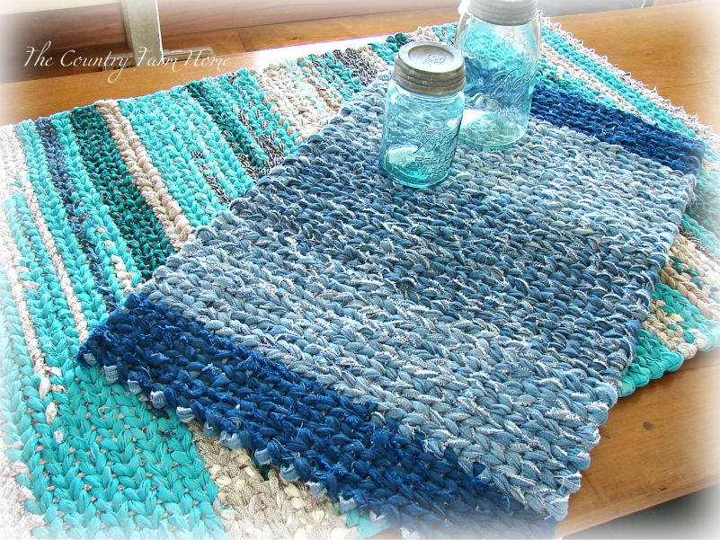 I M Back Again With The Two Recently Finished Rag Rugs This Time Have A Tutorial On Turning At End Of Row And Few Other