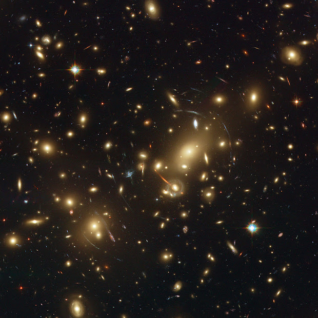 Galaxy Cluster Abell 2218 with Strong Gravitational Lensing!