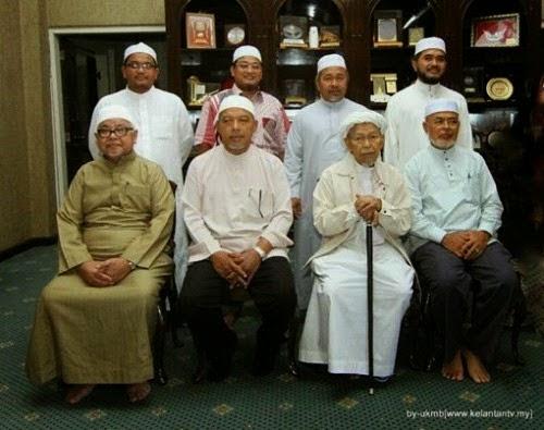 PAS termasuk Nik Aziz Hj Hadi persenda ulama Majlis Syura