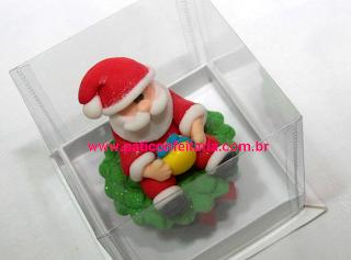 doce cupcake 3d decorado natal papai noel na caixa individual