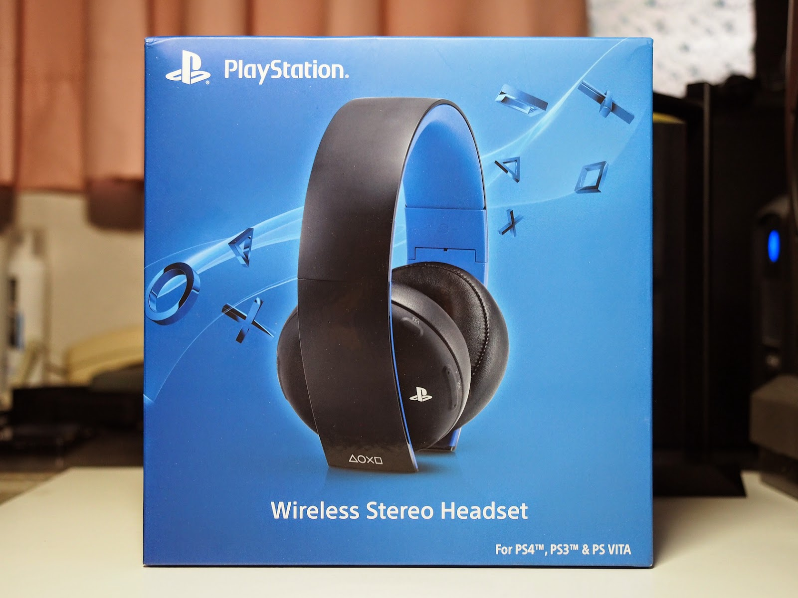 sony playstation gold wireless stereo headset. Black Bedroom Furniture Sets. Home Design Ideas