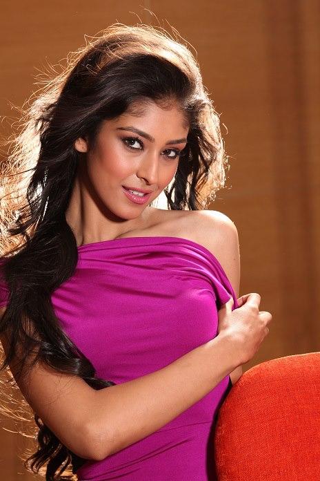 Pond's Femina MISS INDIA WORLD 2013 - Navneet Kaur Dhillon ...