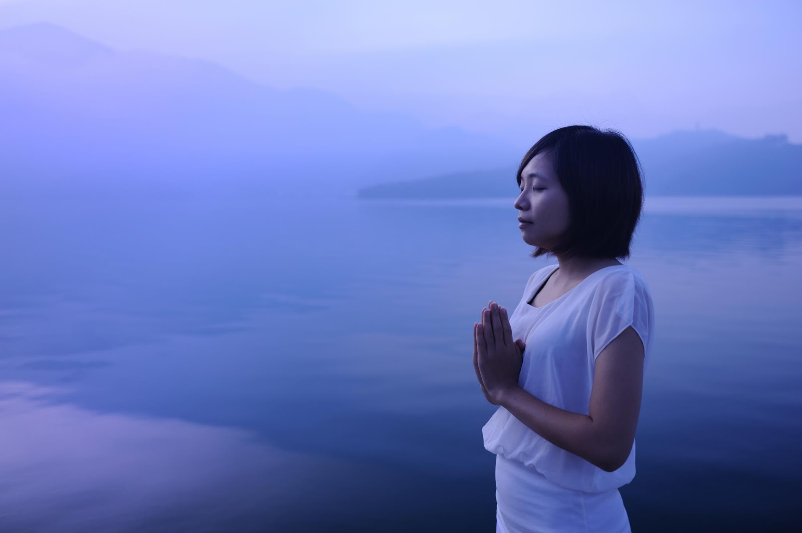佛陀正法在禪宗,在台灣紮根。佛緣到了,在世界末日過後重生的時代給自己特別的歷程,你會訝異原來擁有心燈,是一個真實存在的傳奇。