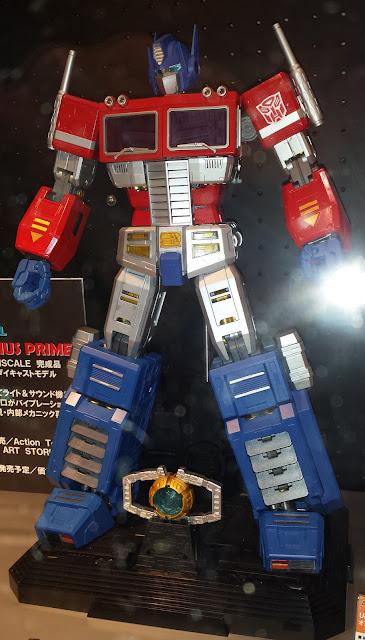 Artstorm/Fewture Transformers Unimetal Optimus Prime