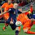 Espanha e Holanda reeditam final da Copa de 2010 nesta sexta-feira