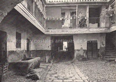 Fotos y postales antiguas de sevilla corrales de vecinos for Alquiler de casas en triana sevilla
