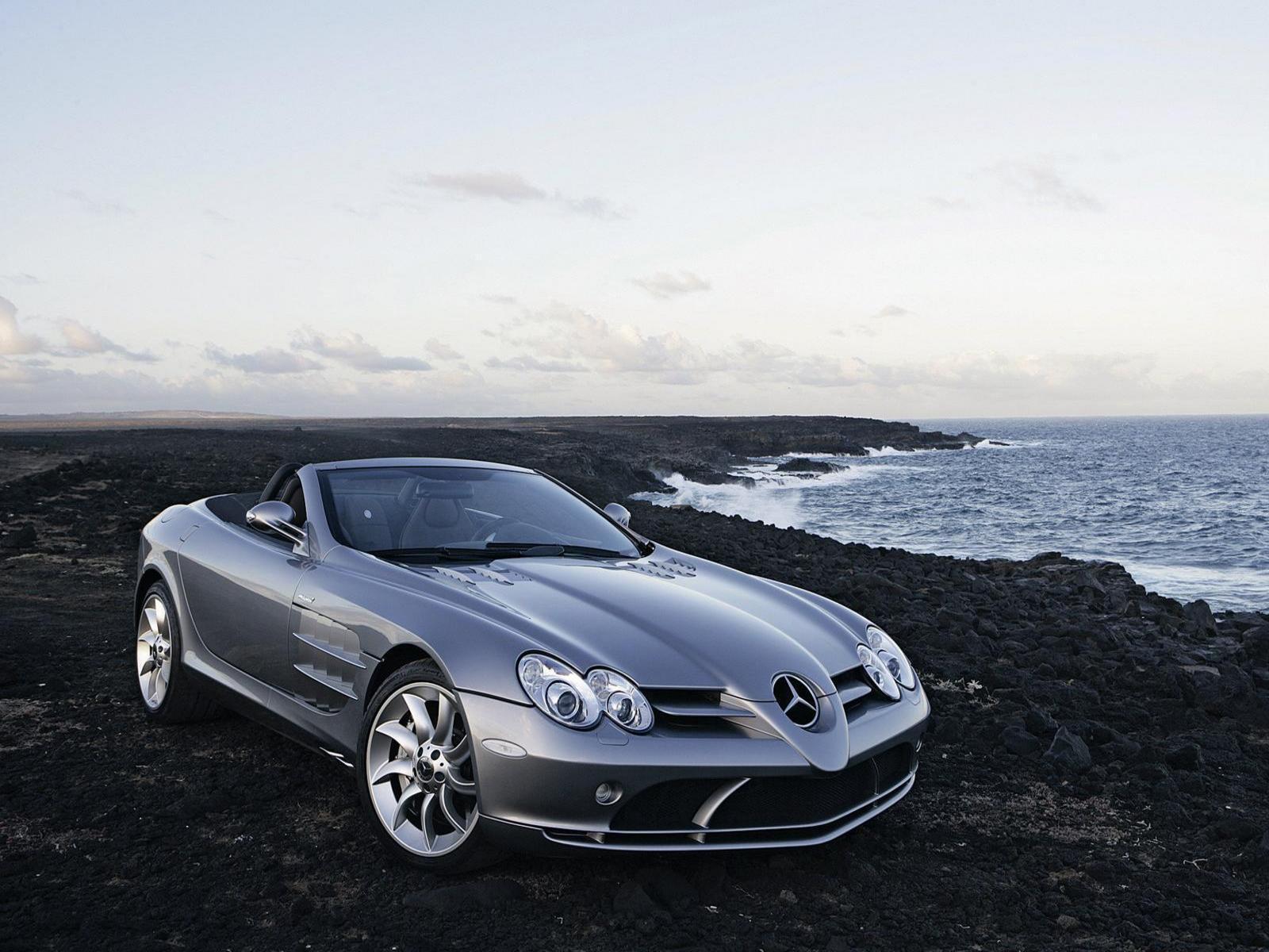 All crazy auto mercedes benz slr mclaren roadster for Mercedes benz mclaren slr