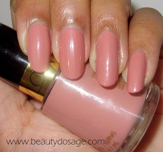 NOTD: Revlon nail varnish in no.100 Touch of Mauve | Beauty Dosage