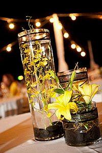 Decoracion con Flores Sumergidas Amarillas, Centros de Mesa