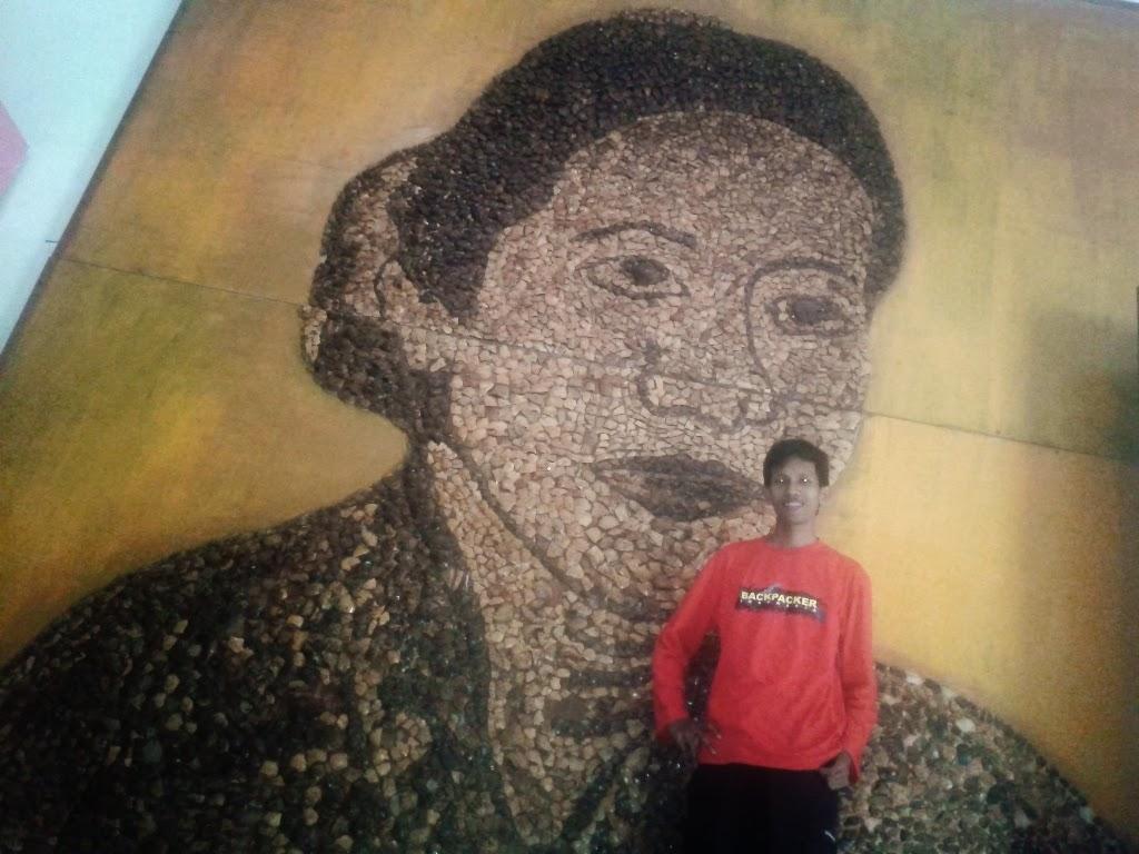 Mengabadikan diri dulu didalam mueum RA. Kartini, Jepara