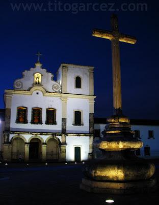 Cruzeiro e Igreja de São Francisco, na Praça São Francisco, em São Cristóvão