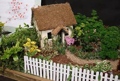 Gambar Miniatur Taman Rumah