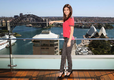 Victoria Justice Hot HD Wallpapers