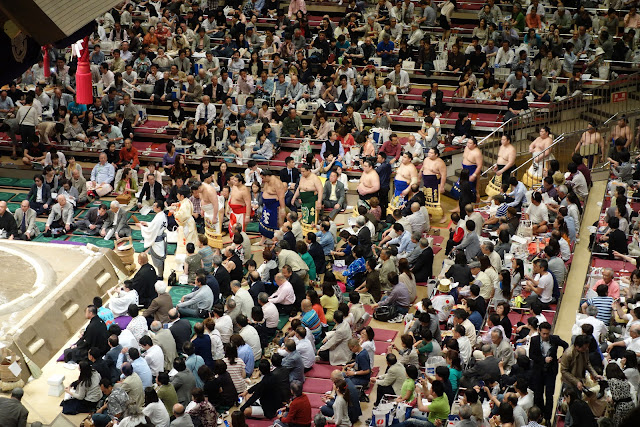 Makuuchi Ring Entering Ceremony