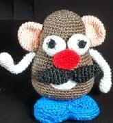 http://hamabeadstyle.blogspot.com.es/2015/03/mr-potato-amigurumi-patron-gratis.html