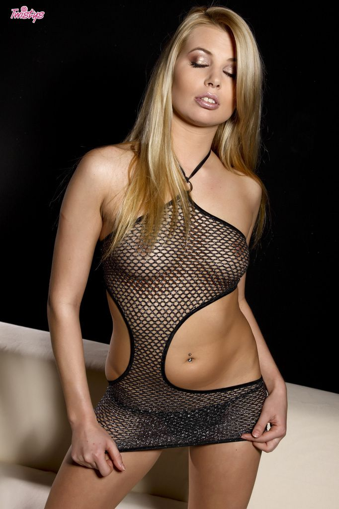 www.CelebTiger.com++Sexy+Model+Leany+In+Fishnet+See+Through+Dress+Nude+003 Leany Wearing A See Through Dress And Stripping Nude In Front Of Camera HQ Photo Gallery