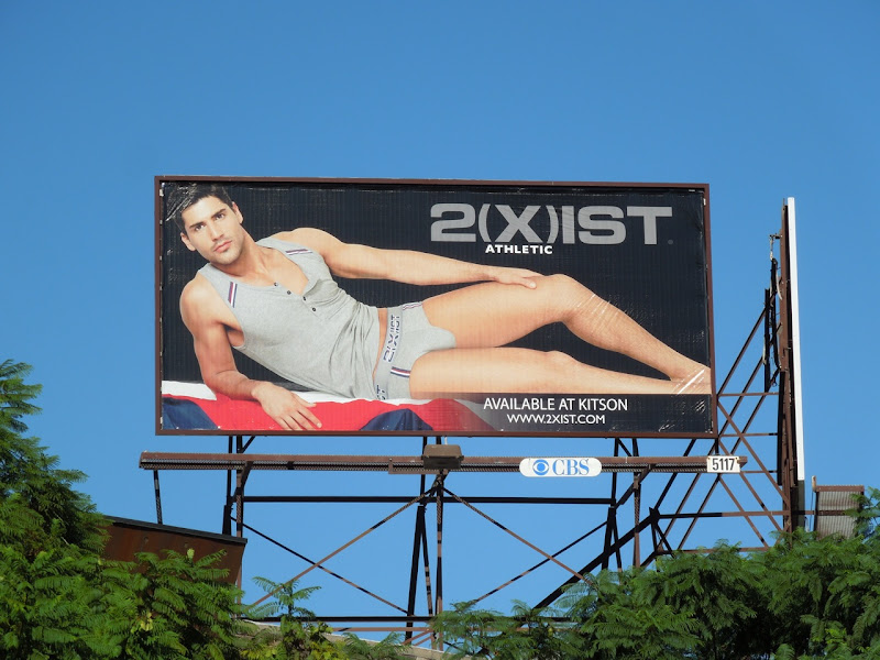 2(x)ist Athletic underwear billboard