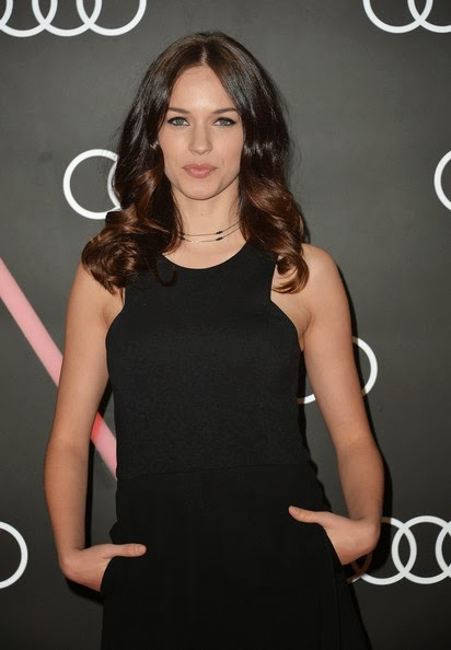 Actress Alexis Knapp Attends Golden Globes Weekend Audi Celebration At