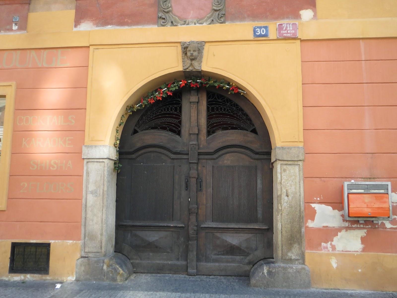 Londinoupolis beautiful doors prague for Door z prague