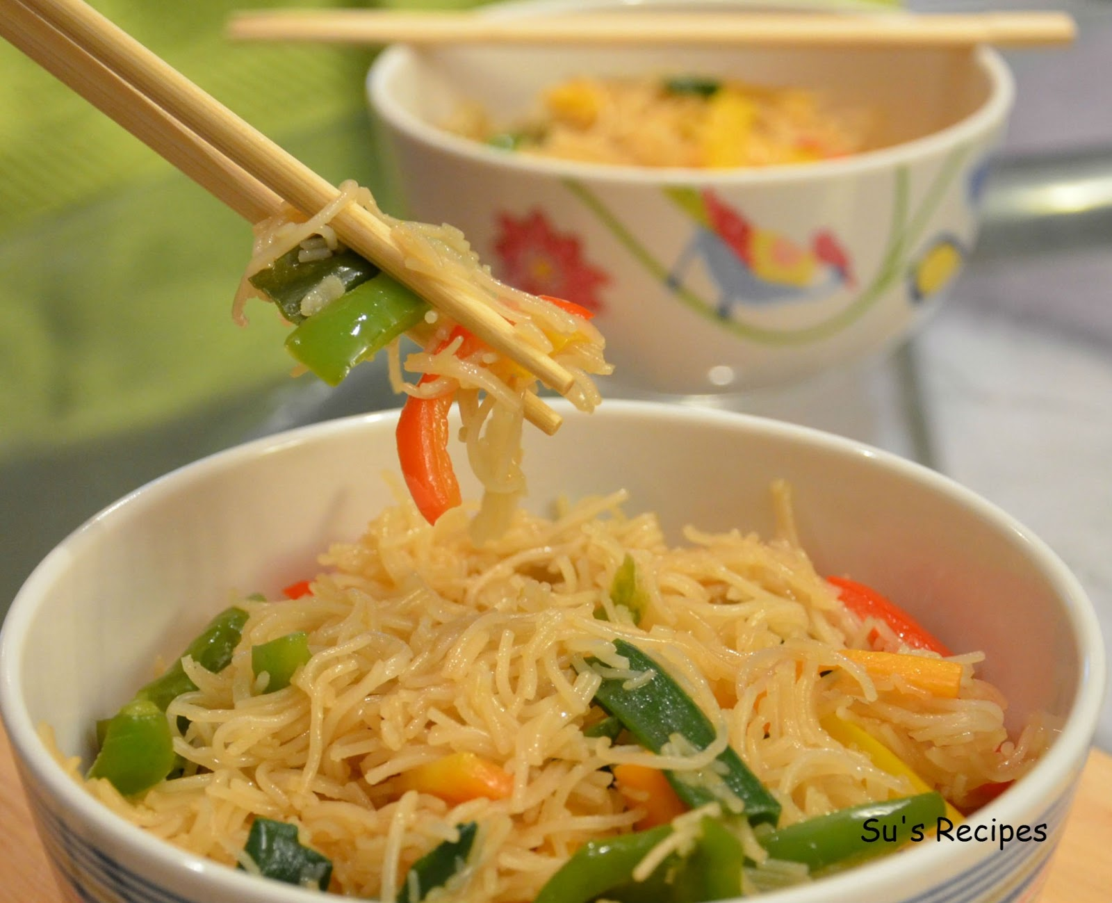 easy dish, simple noodles dish, chowmein, soft noodles, round noodles, vermicelli, rice vermicelli, chinese noodles, vietnamese noodles, thai noodles