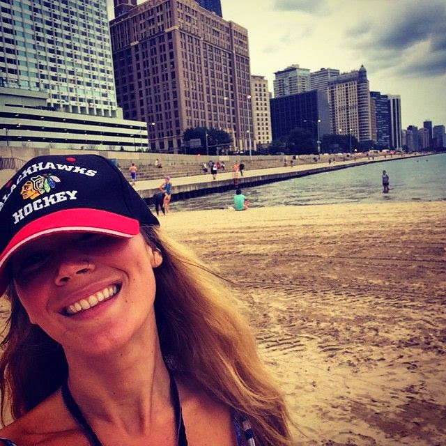 """Kind of a grey day but still awesome that the city has a tiny beach. Hi Chicago! Long time no see:),"" The 27-year-old captured about her great moment on Chicago beach."