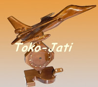 http://toko-jati.blogspot.com/2012/12/jam-meja-unik.html