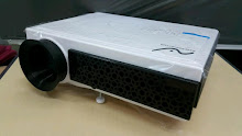 "Promo Paket Lcd New Projector + Layar Manual 70""(178cm x 178cm)"