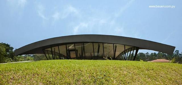 Casa moderna en el Paraguay
