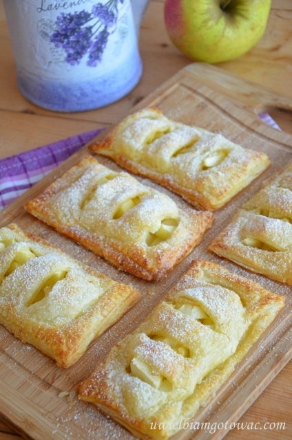Ciastka francuskie z jabłkiem