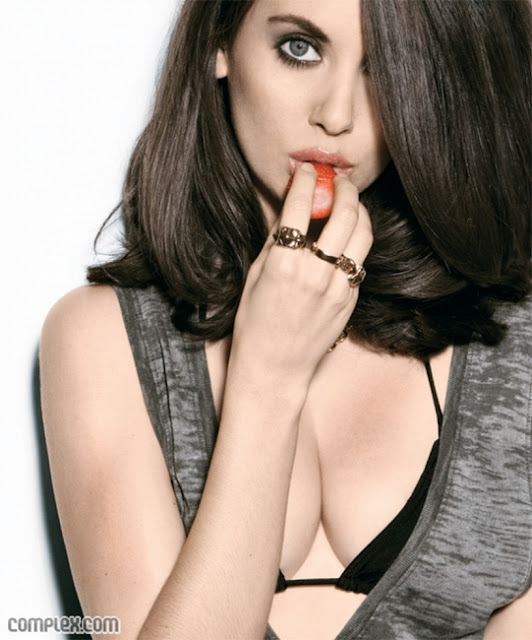 alison brie complex. Model Alison Brie is Show off