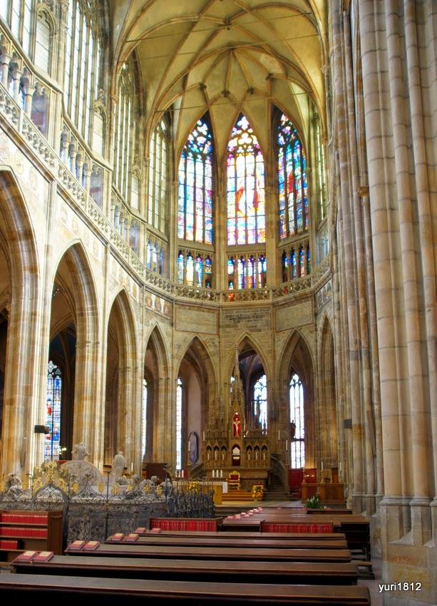 Центральный неф собора святого Вита.
