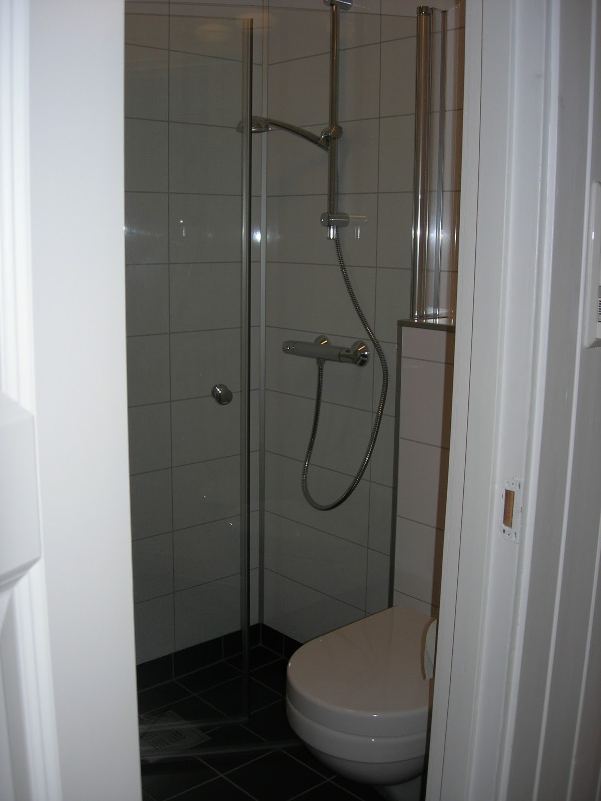 Amber og Marco i Norge: Metamorfose badkamer en wasruimte
