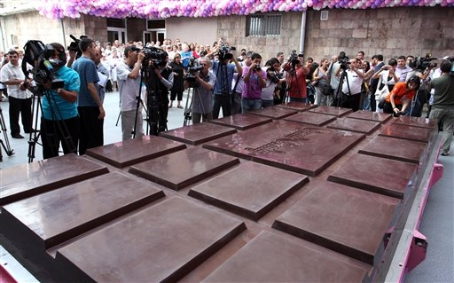 Guinness World Records, largest chocolate bar, Armenia, Grand Candy