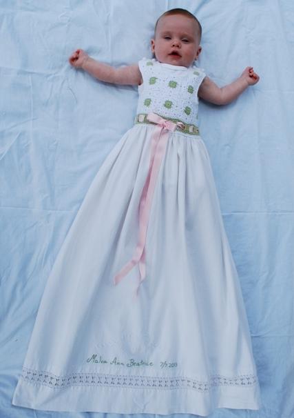 Det känns mycket bra att ha gjort en egen dopklänning 634a69ec26cee