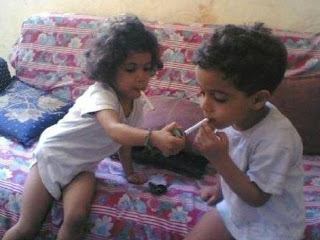 funny pictures: children smoking tobacco