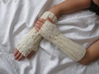 Fingerless Mittens Knitting Pattern - Knitting Squirrel