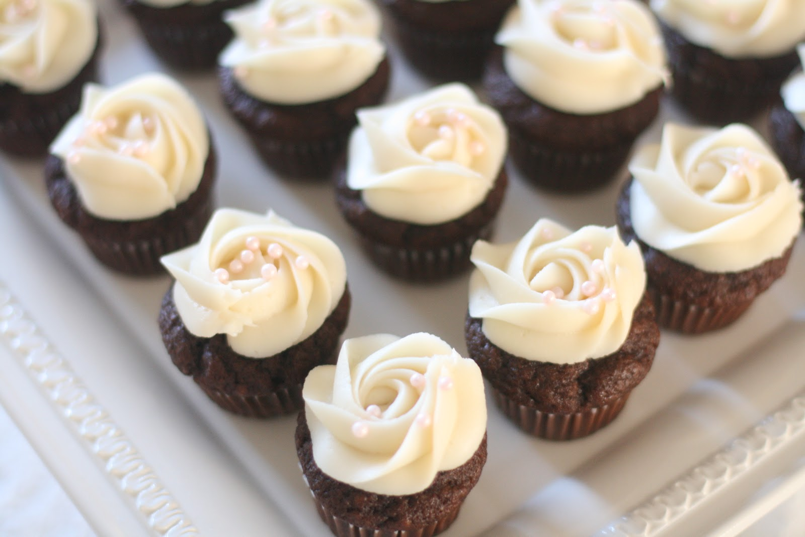 Chocolate Banana Cupcake with Cream Cheese Frosting: The eye of the ...