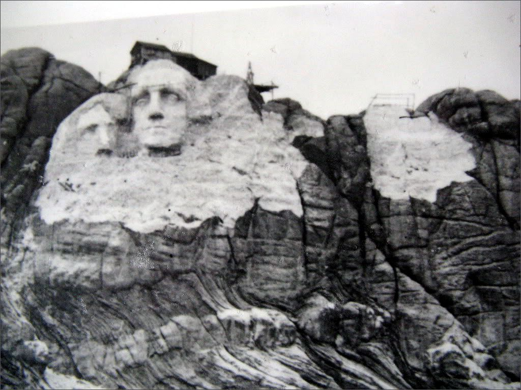 Worksheet Building Mount Rushmore this day in history oct 4 1927 work begins on mount rushmore dingeengoete blogspot com http1 bp k yoplvpnemtjte