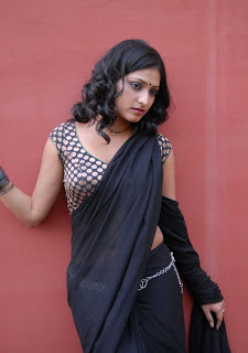 actress hari priya in saree hd hot  boobs n navel pics photos images14