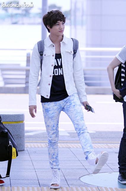 exo kai airport style