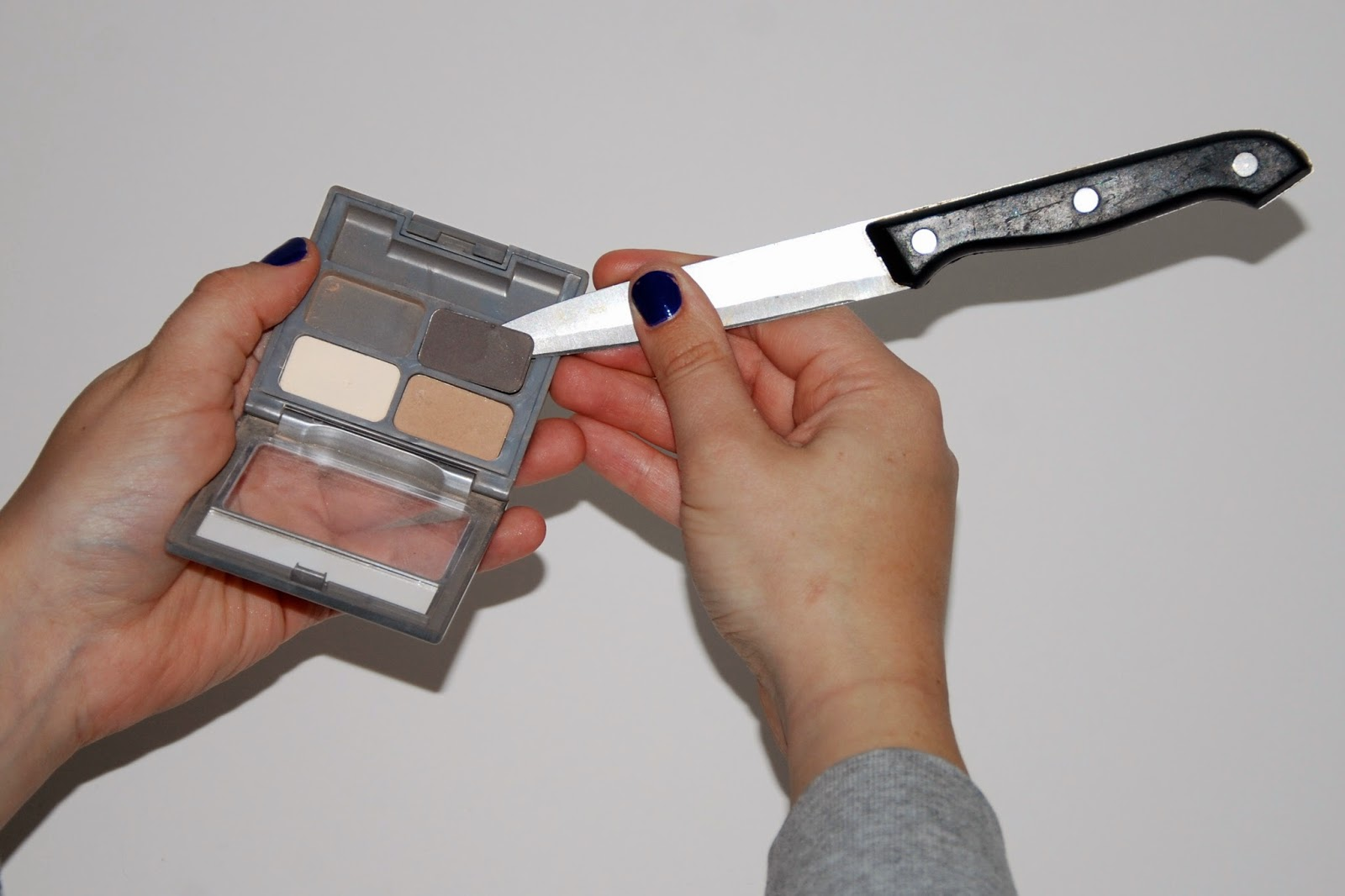 DIY Eyeshadow Palette - Knife to Pry Tin Loose