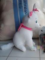 Boneka Marry Cat warna putih