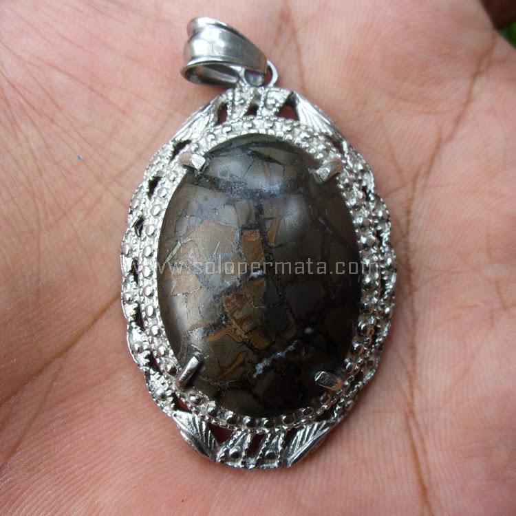 Liontin Batu Permata Sisik Naga Sumatera - SP596