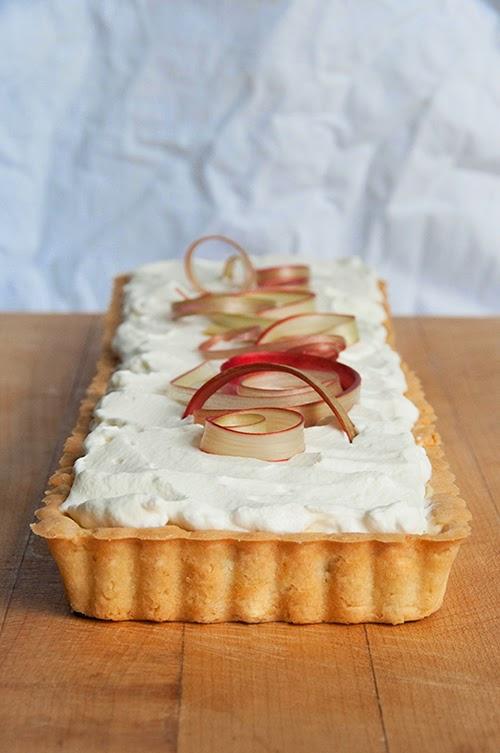 creamy rhubarb tart