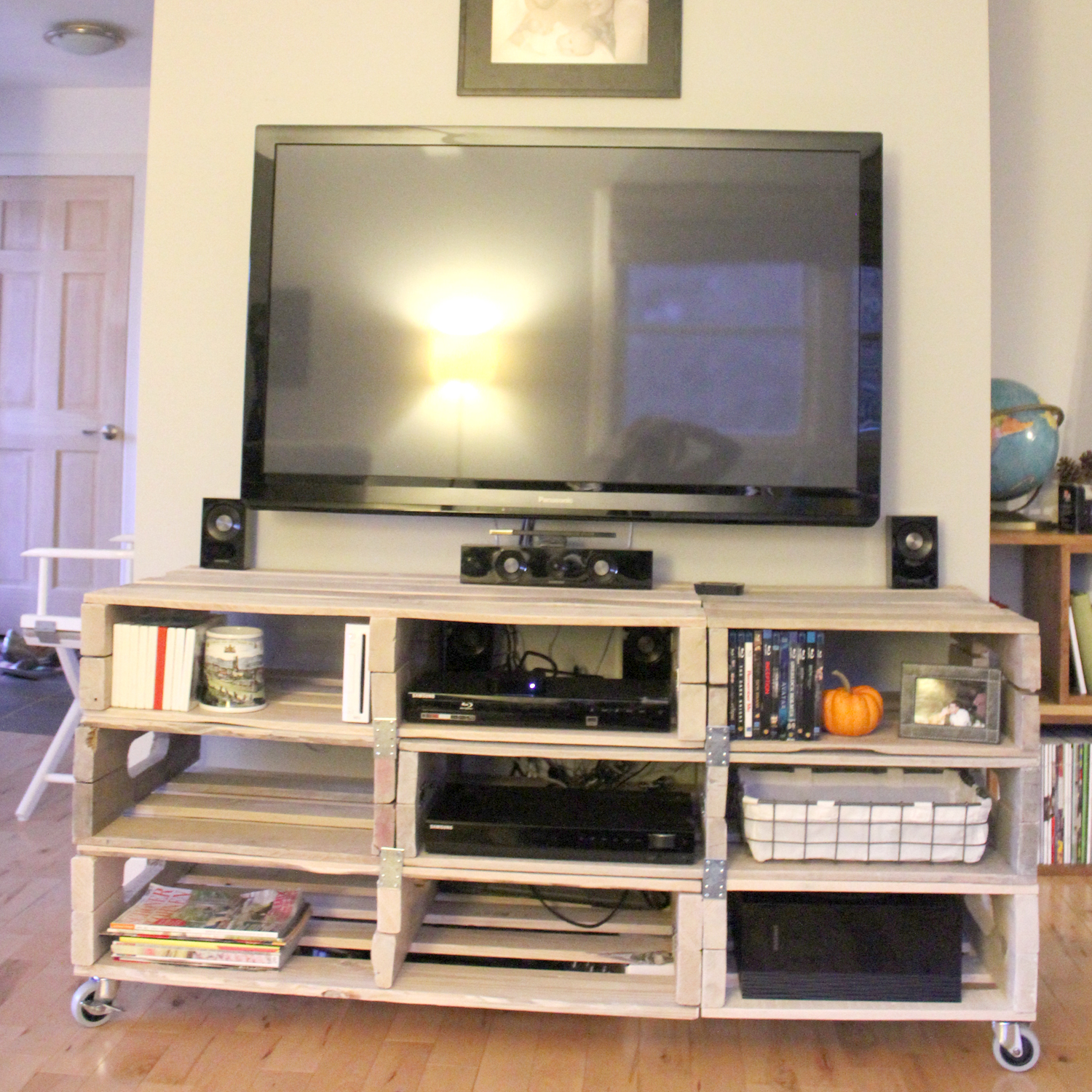 the forge diy entertainment center from pallets