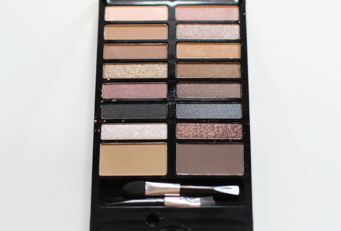 Makeup Revolution palette in Disapear til tomorrow