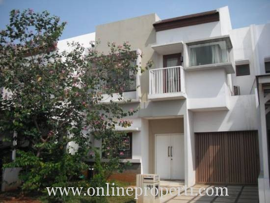 Disewakan Rumah Baru Fully Furnish di Jakarta Garden City Cakung PR511