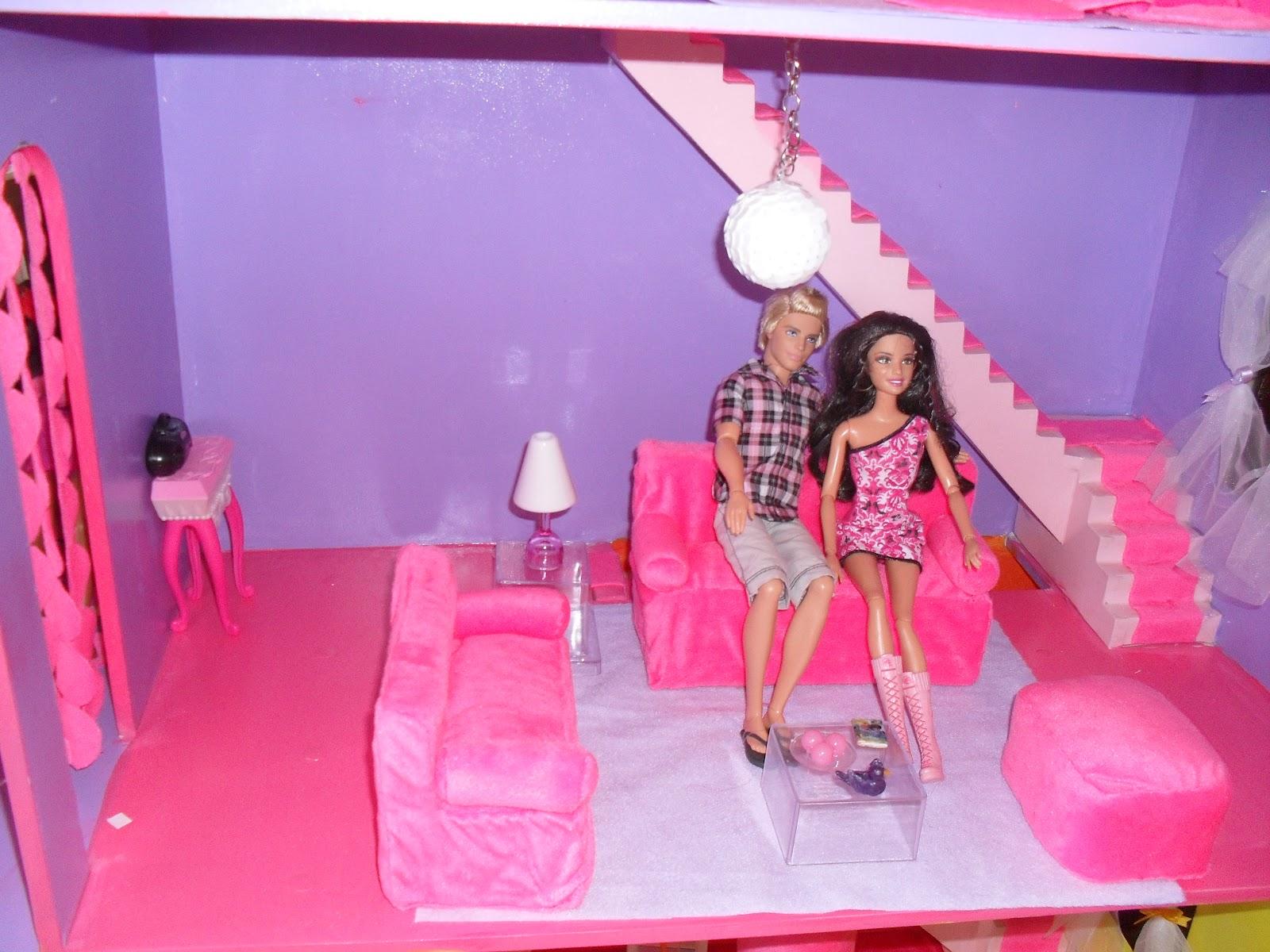 quem te pintou?: A Casa de boneca da Milena onde moram suas Barbies #B11A55 1600 1200